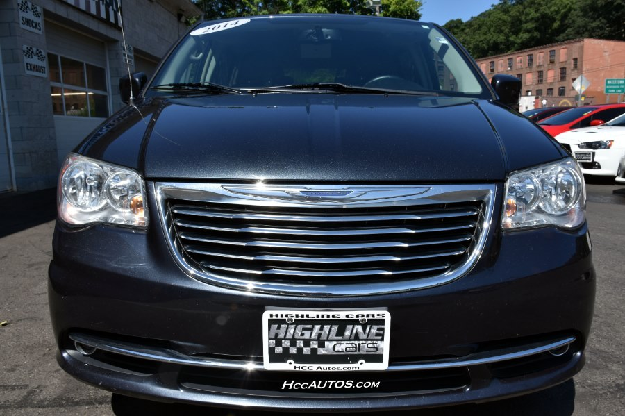 2014 Chrysler Town & Country 4dr Wgn Touring, available for sale in Waterbury, Connecticut | Highline Car Connection. Waterbury, Connecticut