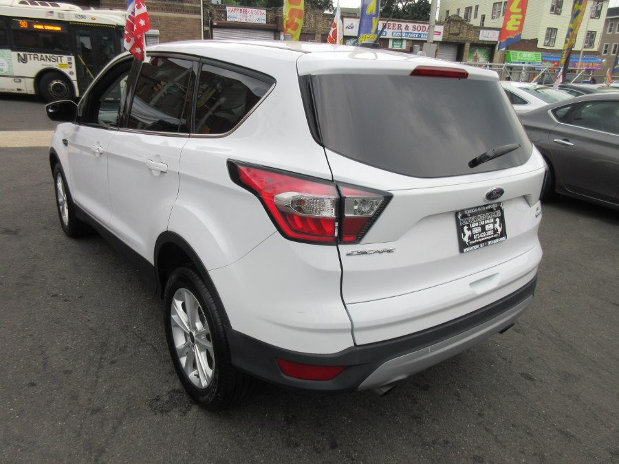2017 Ford Escape SE FWD, available for sale in Irvington, New Jersey | Foreign Auto Imports. Irvington, New Jersey