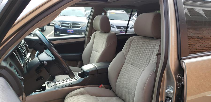 2008 Toyota 4Runner 4WD 4dr V6 SR5, available for sale in Waterbury, Connecticut | National Auto Brokers, Inc.. Waterbury, Connecticut
