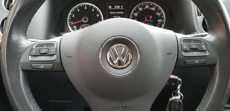 2014 Volkswagen Tiguan 4MOTION 4dr Auto S, available for sale in Waterbury, Connecticut | National Auto Brokers, Inc.. Waterbury, Connecticut