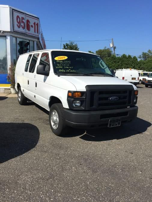 Used 2009 Ford Econoline Cargo Van in Lindenhurst, New York | The Van Depot Inc.. Lindenhurst, New York