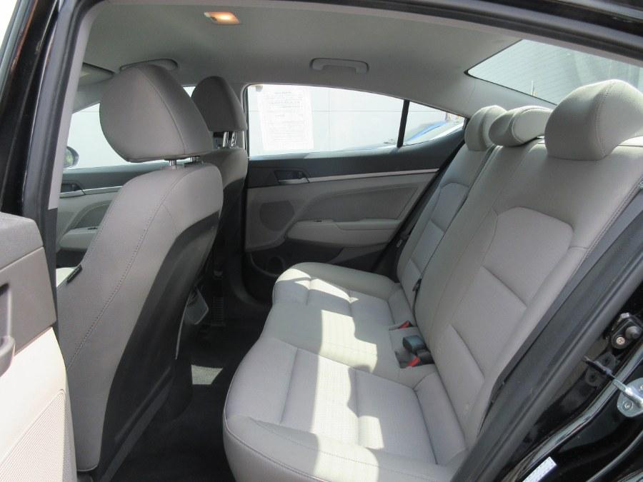 Used Hyundai Elantra SE 2.0L Auto PZEV (Ulsan) *Ltd Avail* 2017 | Route 27 Auto Mall. Linden, New Jersey