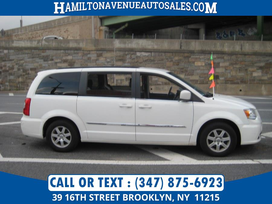 2011 Chrysler Town & Country 4dr Wgn Touring, available for sale in Brooklyn, New York | Hamilton Avenue Auto Sales DBA Nyautoauction.com. Brooklyn, New York