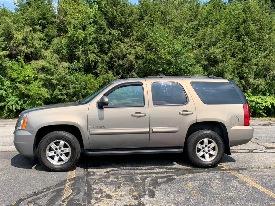 2007 GMC Yukon 4WD 4dr 1500 SLE, available for sale in Waterbury, Connecticut | Platinum Auto Care. Waterbury, Connecticut