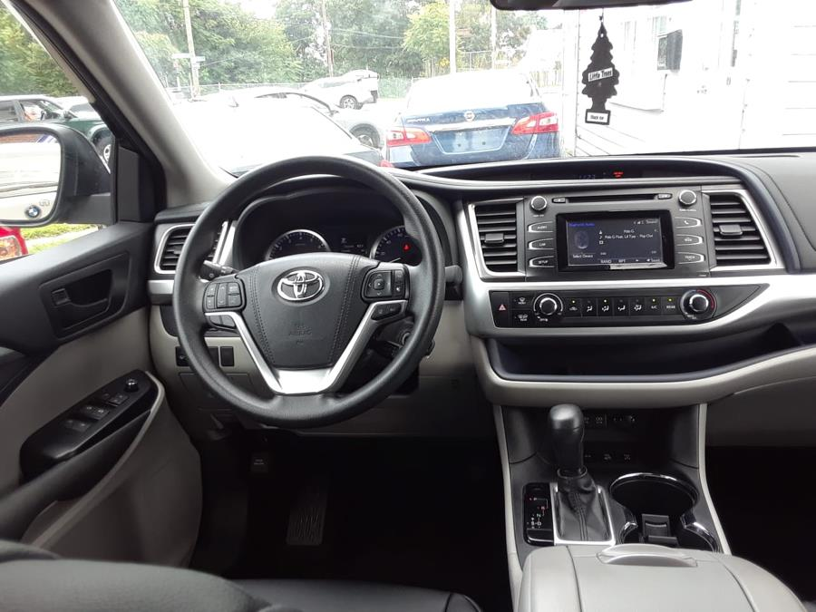 2018 Toyota Highlander LE Plus V6 AWD (Natl), available for sale in Elmont, New York | Cars Off Lease . Elmont, New York