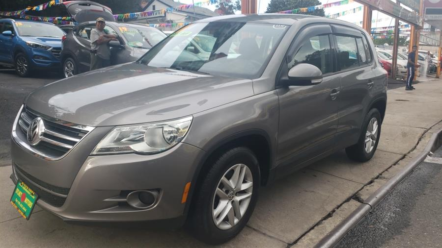 2011 Volkswagen Tiguan 2WD 4dr SE, available for sale in Jamaica, New York | Sylhet Motors Inc.. Jamaica, New York