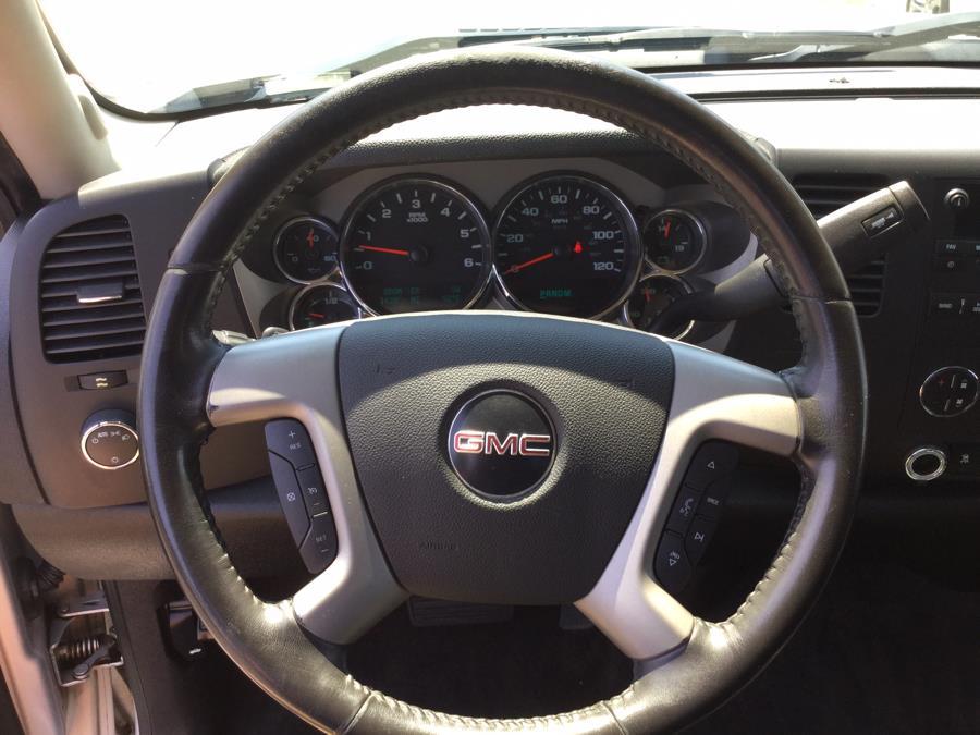 2010 GMC Sierra 1500 4WD Crew Cab 143.5