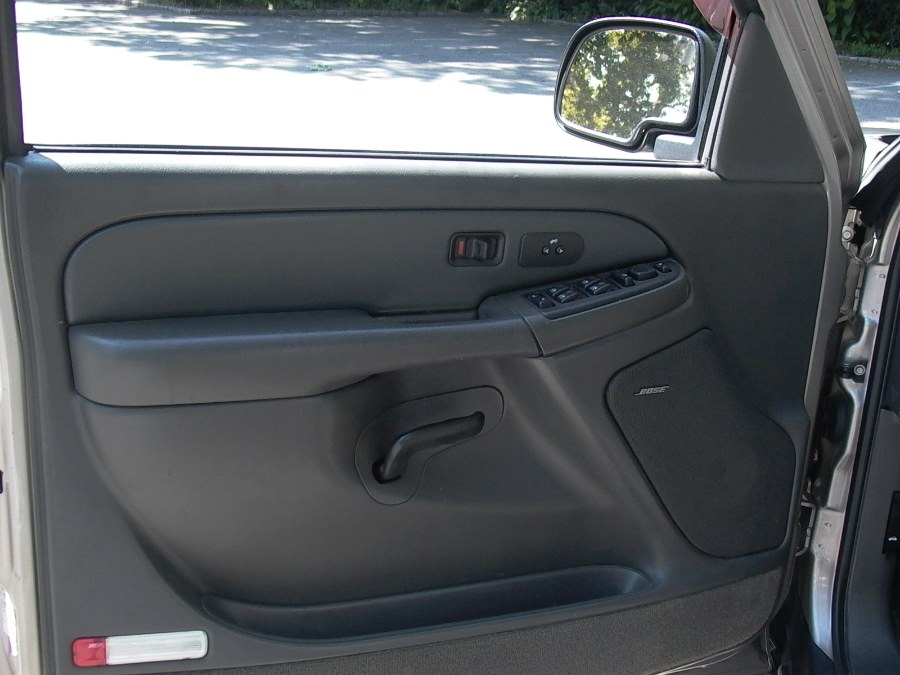 """2003 Chevrolet Avalanche 1500 5dr Crew Cab 130"""" WB 4WD, available for sale in Bellmore, NY"""