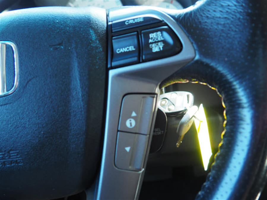 Used Honda Pilot Touring 2012 | Canton Auto Exchange. Canton, Connecticut