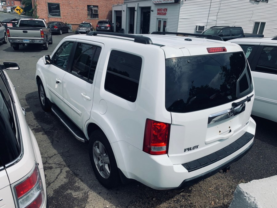 2011 Honda Pilot 4WD 4dr EX-L w/Navi, available for sale in Danbury, Connecticut | Car City of Danbury, LLC. Danbury, Connecticut