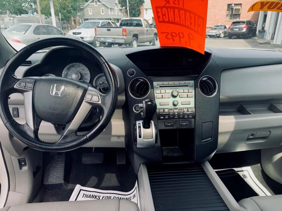 2009 Honda Pilot 4WD 4dr EX-L, available for sale in Danbury, Connecticut   Car City of Danbury, LLC. Danbury, Connecticut