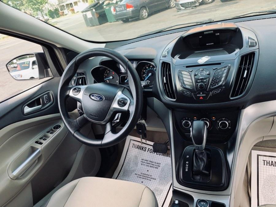 2014 Ford Escape 4WD 4dr SE, available for sale in Danbury, Connecticut | Car City of Danbury, LLC. Danbury, Connecticut