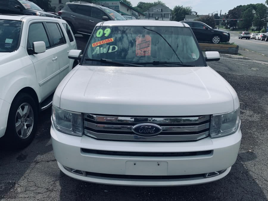 Used 2009 Ford Flex in Danbury, Connecticut | Car City of Danbury, LLC. Danbury, Connecticut
