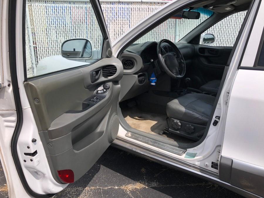 2001 Hyundai Santa Fe LX 2WD Auto V6, available for sale in Bayshore, New York   Carmatch NY. Bayshore, New York