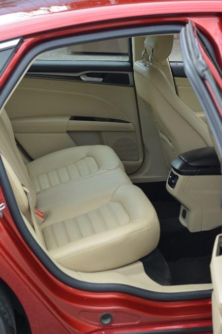 Used Ford Fusion 4dr Sdn SE FWD 2014 | New Beginning Auto Service Inc . Ashland , Massachusetts