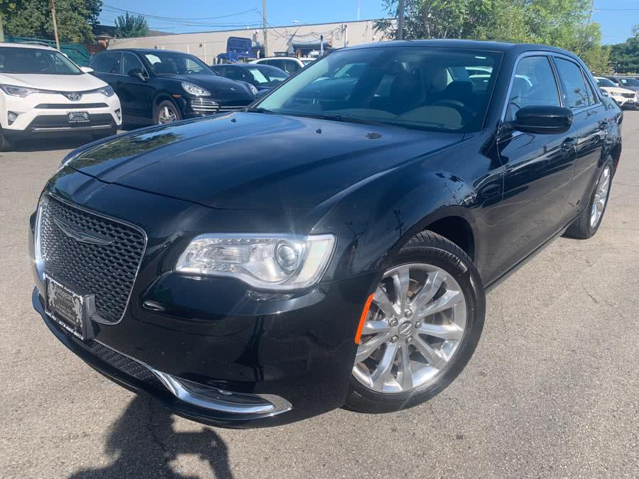 Used 2016 Chrysler 300 in Hillside, New Jersey | M Sport Motor Car. Hillside, New Jersey