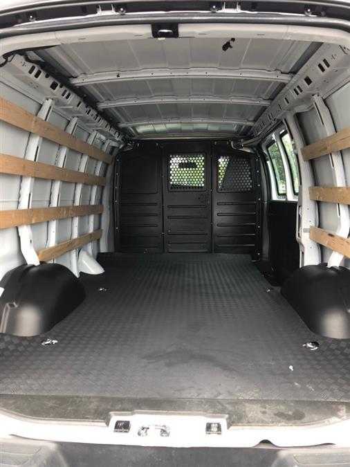 2018 GMC Savana Cargo Van RWD 2500 135