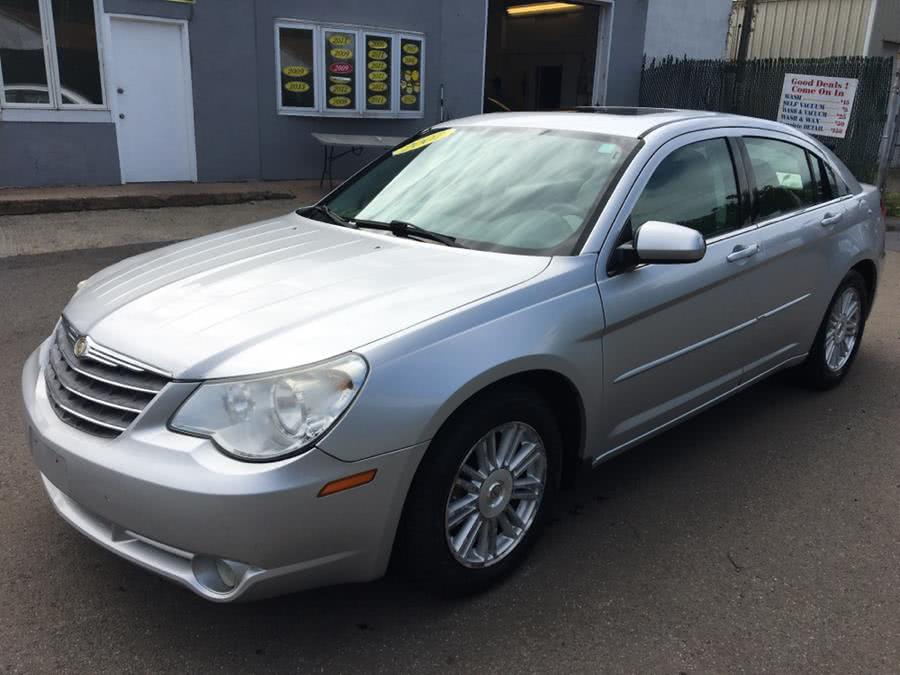 Used 2008 Chrysler Sebring in Meriden, Connecticut | Cos Central Auto. Meriden, Connecticut