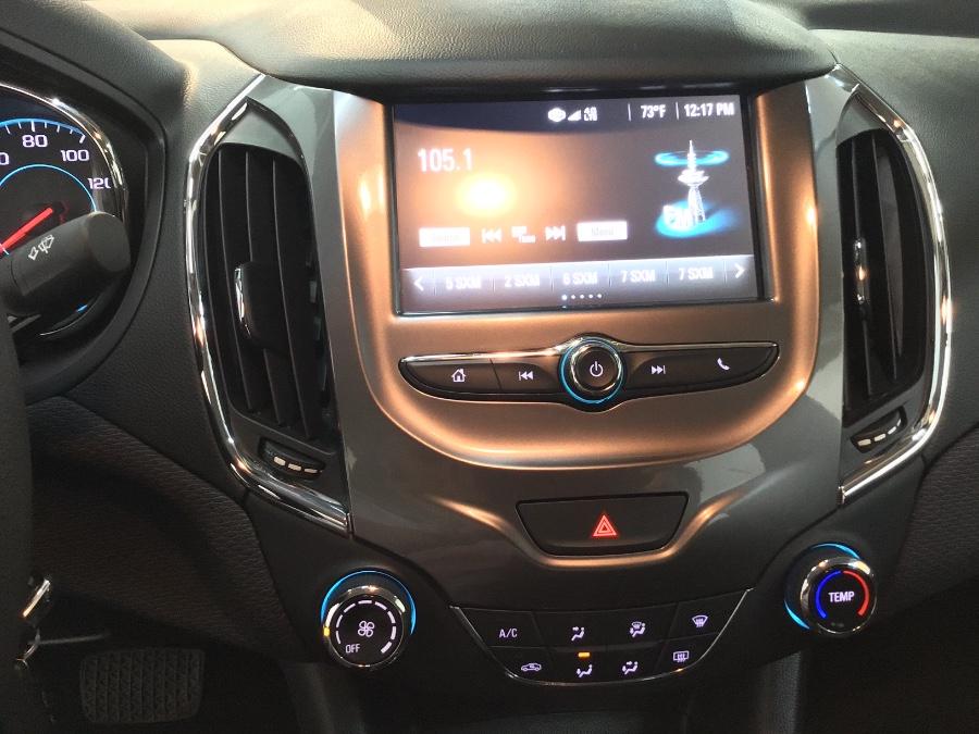 2017 Chevrolet Cruze 4dr Sdn Auto LT, available for sale in Lodi, New Jersey | European Auto Expo. Lodi, New Jersey
