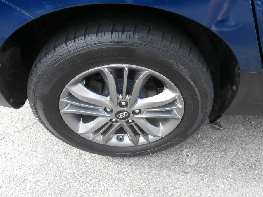 2015 Hyundai Tucson AWD 4dr GLS, available for sale in Waterbury, Connecticut | Jim Juliani Motors. Waterbury, Connecticut