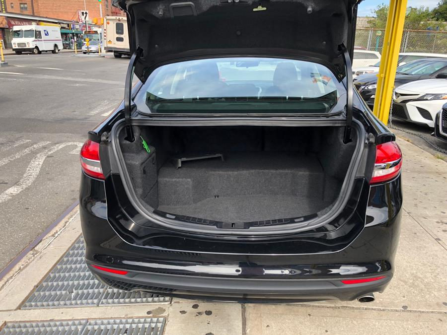 Used Ford Fusion Hybrid SE FWD 2017 | Queens Best Auto, Inc.. Jamaica, New York