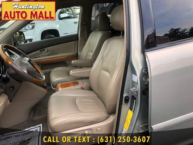 Used Lexus RX 330 4dr SUV AWD 2005 | Huntington Auto Mall. Huntington Station, New York