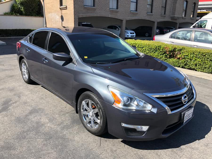 Used 2013 Nissan Altima in Lake Forest, California | Carvin OC Inc. Lake Forest, California