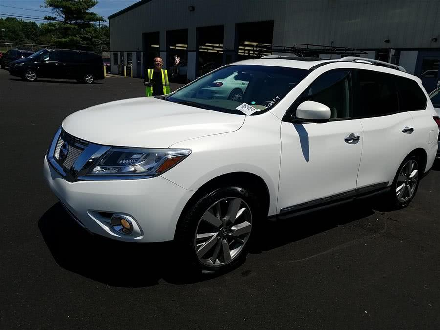 Used 2013 Nissan Pathfinder in Corona, New York | Raymonds Cars Inc. Corona, New York