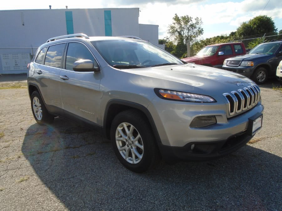 Used 2016 Jeep Cherokee in Milford, Connecticut | Dealertown Auto Wholesalers. Milford, Connecticut