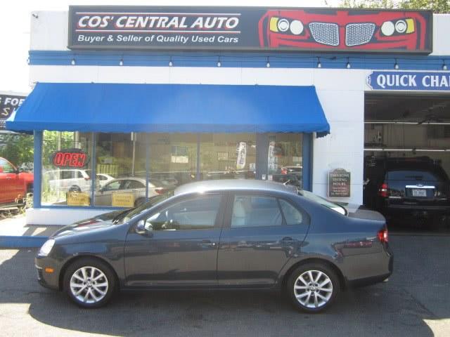 Used 2010 Volkswagen Jetta Sedan in Meriden, Connecticut | Cos Central Auto. Meriden, Connecticut
