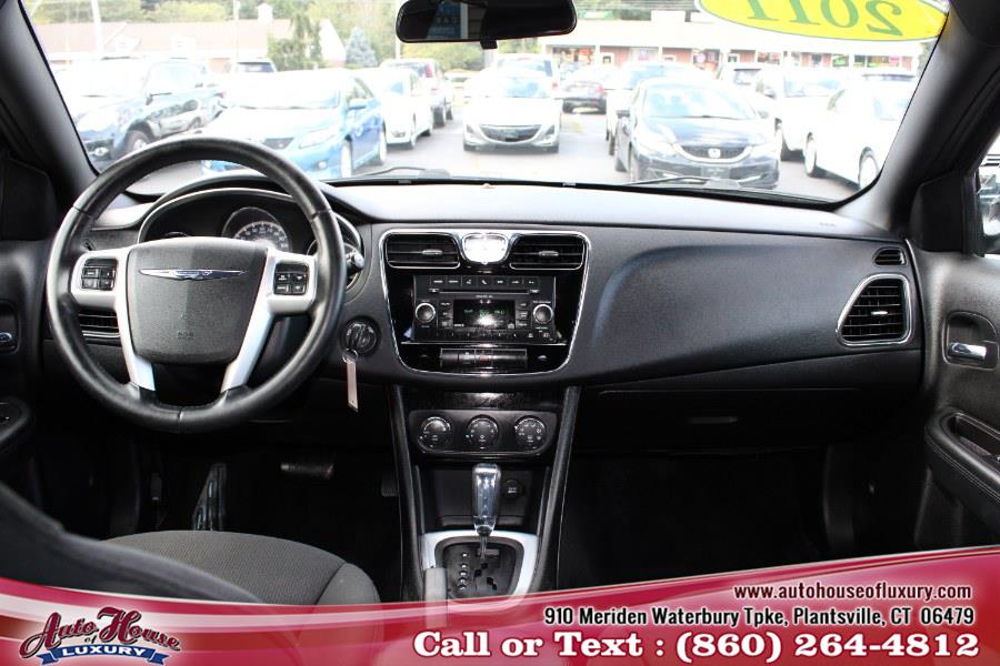 Used Chrysler 200 4dr Sdn Touring 2011 | Auto House of Luxury. Plantsville, Connecticut