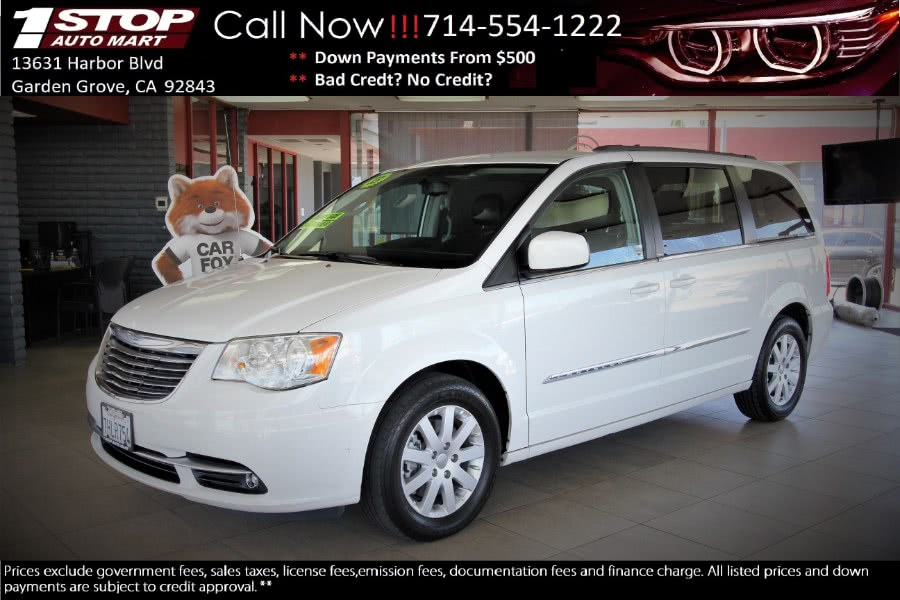 Used 2013 Chrysler Town & Country in Garden Grove, California | 1 Stop Auto Mart Inc.. Garden Grove, California