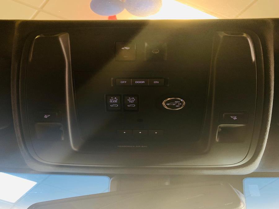Used Cadillac Escalade ESV 4WD 4dr Platinum 2016 | Northshore Motors. Syosset , New York
