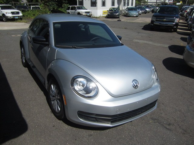2014 Volkswagen Beetle Coupe 2dr Auto 1.8T Entry PZEV, available for sale in Meriden, Connecticut | Cos Central Auto. Meriden, Connecticut