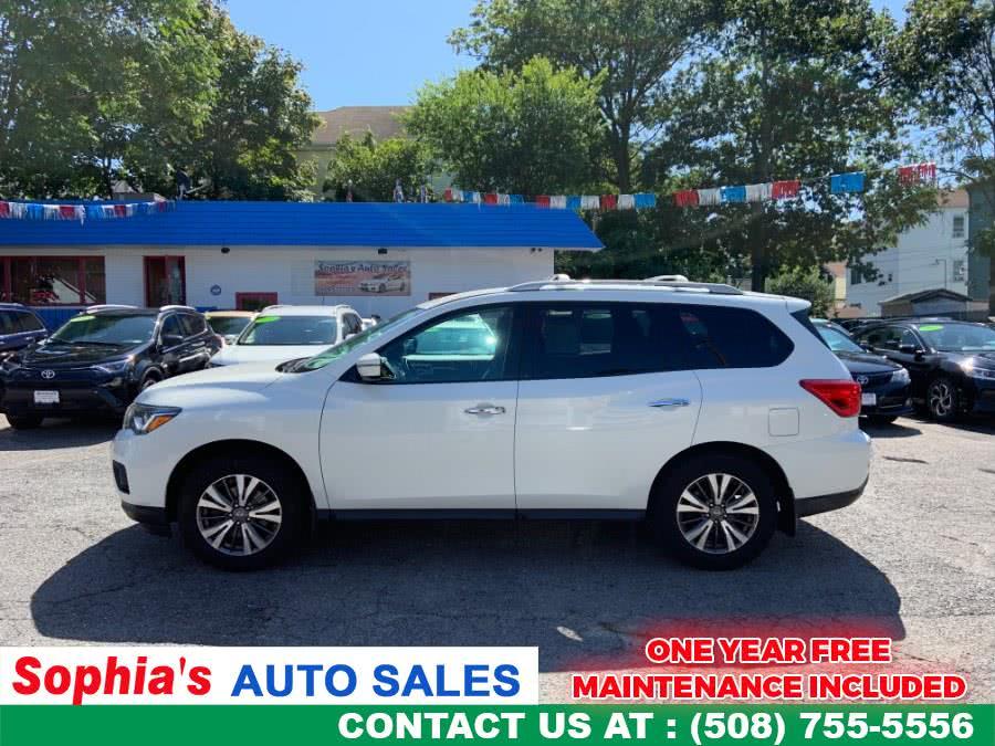 Used 2017 Nissan Pathfinder in Worcester, Massachusetts | Sophia's Auto Sales Inc. Worcester, Massachusetts