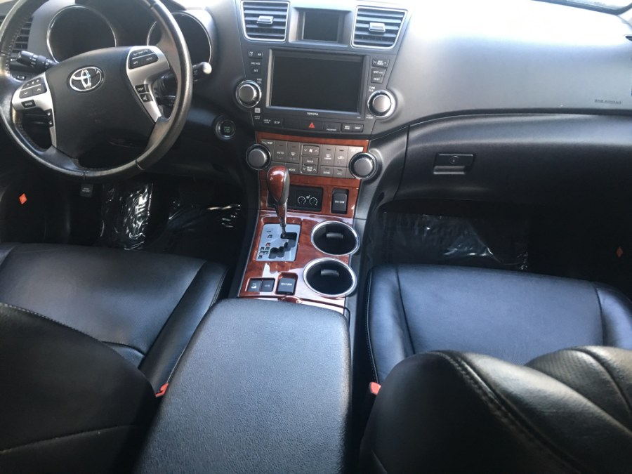 2012 Toyota Highlander 4WD 4dr V6  Limited (Natl), available for sale in Bristol, Connecticut | Bristol Auto Center LLC. Bristol, Connecticut