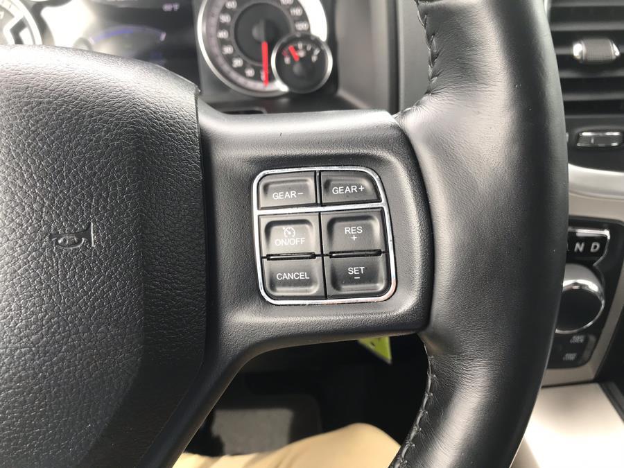2017 Ram 1500 Big Horn 4x4 Crew Cab 5''7