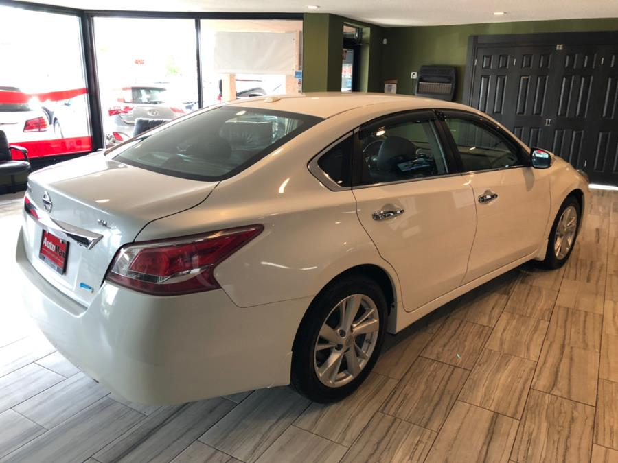 2013 Nissan Altima 4dr Sdn I4 2.5 SL *Ltd Avail*, available for sale in West Hartford, Connecticut | AutoMax. West Hartford, Connecticut