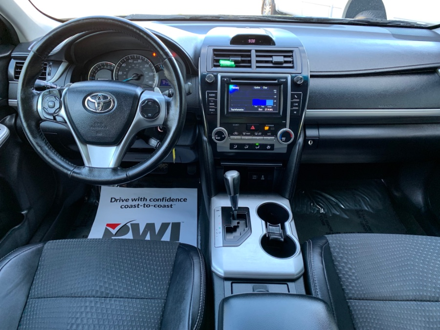 Used Toyota Camry 4dr Sdn I4 Auto SE 2013 | Melrose Auto Gallery. Melrose, Massachusetts