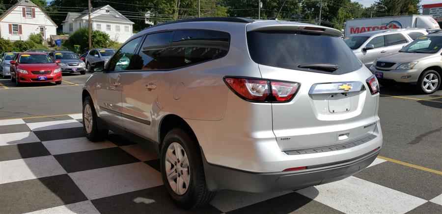 Used Chevrolet Traverse AWD 4dr 1LT 2014 | National Auto Brokers, Inc.. Waterbury, Connecticut