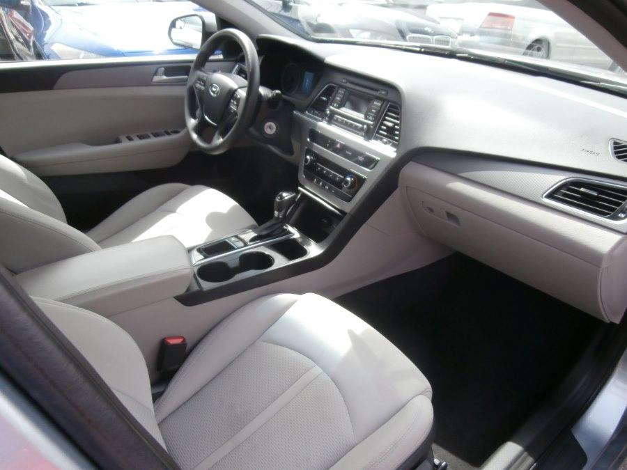 2015 Hyundai Sonata 4dr Sdn 2.4L SE, available for sale in Waterbury, Connecticut   Jim Juliani Motors. Waterbury, Connecticut