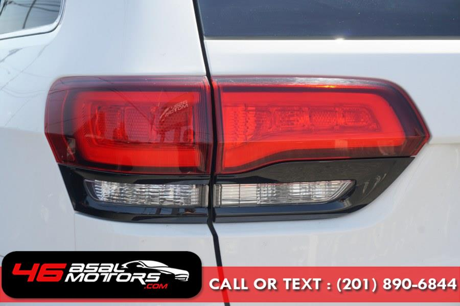 2015 Jeep Grand Cherokee 4WD 4dr SRT, available for sale in East Rutherford, New Jersey | Asal Motors 46. East Rutherford, New Jersey