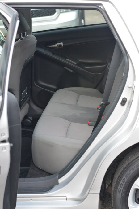 Used Toyota Matrix 5dr Wgn Auto S AWD 2009 | New Beginning Auto Service Inc . Ashland , Massachusetts