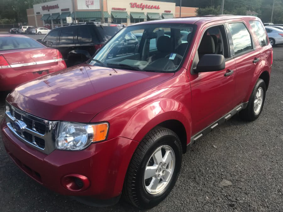 2011 Ford Escape FWD 4dr XLS, available for sale in Wallingford, Connecticut | Wallingford Auto Center LLC. Wallingford, Connecticut