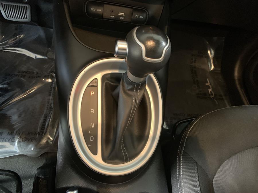 Used Kia Soul + Auto 2017   Wiz Leasing Inc. Stratford, Connecticut