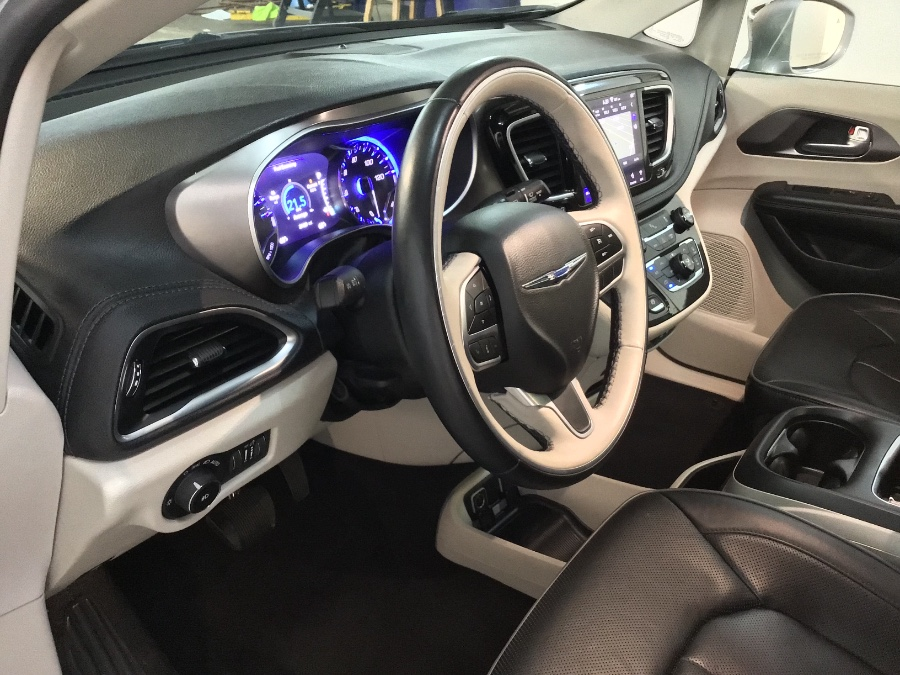 2018 Chrysler Pacifica Limited FWD, available for sale in Lodi, New Jersey | European Auto Expo. Lodi, New Jersey