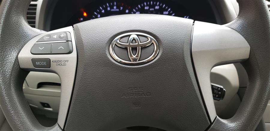 Used Toyota Camry 4dr Sdn Auto LE 2010 | National Auto Brokers, Inc.. Waterbury, Connecticut