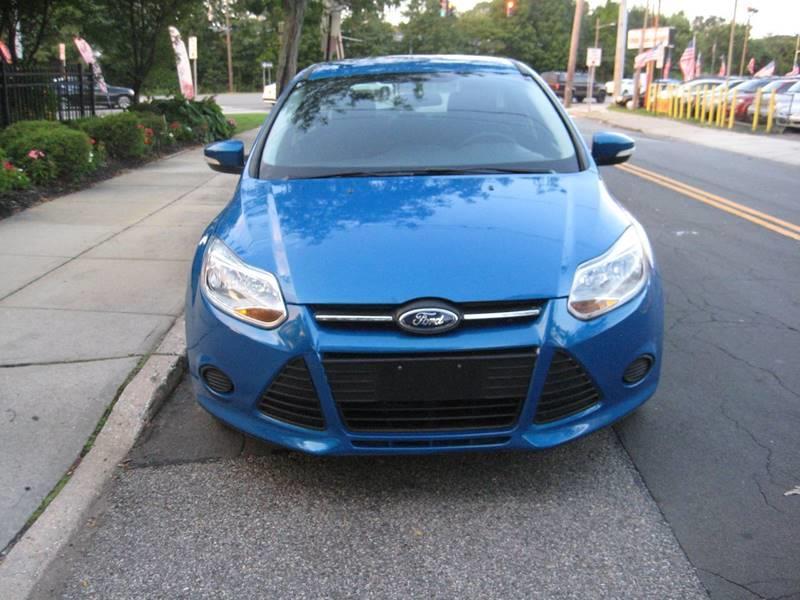 Used Ford Focus SE 4dr Hatchback 2014 | Rite Choice Auto Inc.. Massapequa, New York