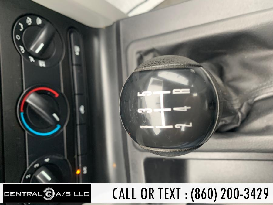 Used Ford Mustang 2dr Cpe Deluxe 2005 | Central A/S LLC. East Windsor, Connecticut