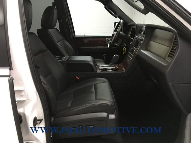 2013 Lincoln Navigator l 4WD 4dr, available for sale in Naugatuck, Connecticut | J&M Automotive Sls&Svc LLC. Naugatuck, Connecticut